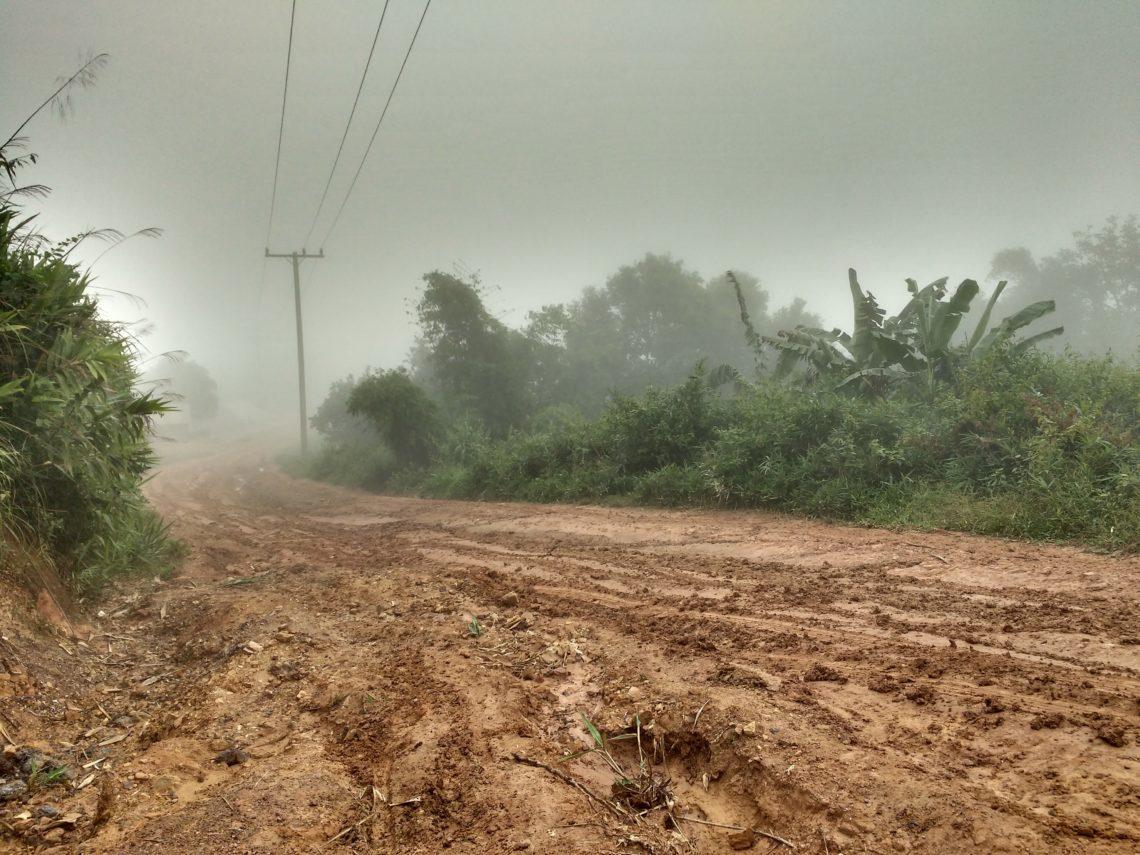 Vers Phoukout - Brouillard et boue