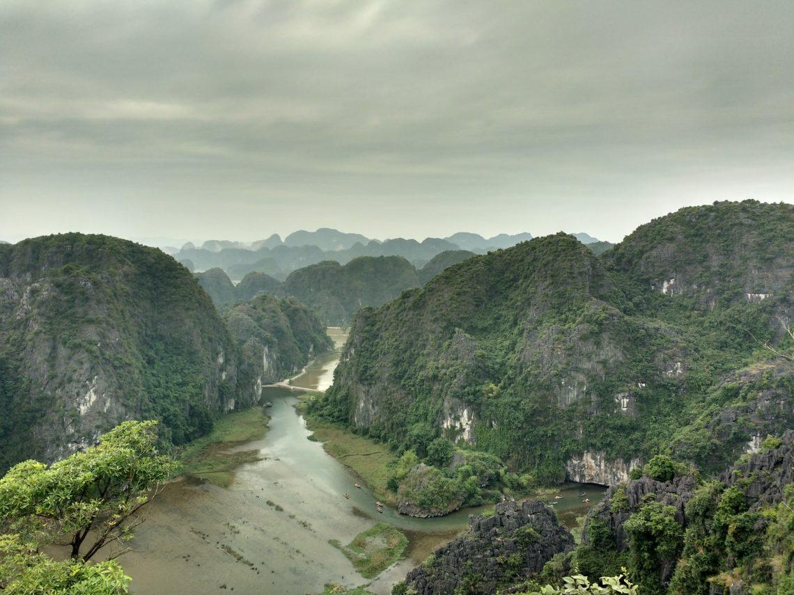 Montagnes dans le nord du Vietnam