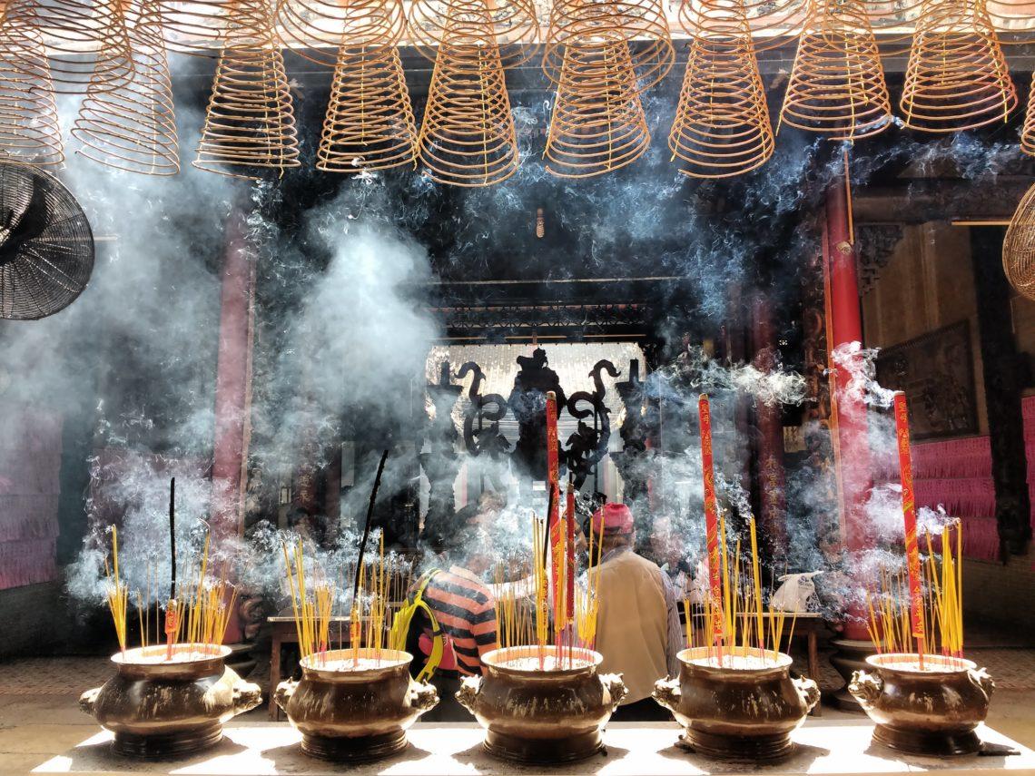 Encens dans un temple taoïste